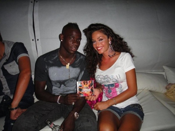 Mario-Balotelli-and-Raffaela-Fico-photo
