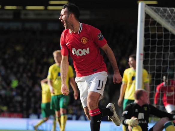 ryan_giggs_norwich_manchester_united_goal_900_photo