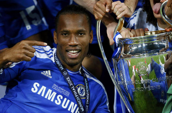 didier_drogba_chelsea_bayern_ligue_des_champions_2012_coupe_photo